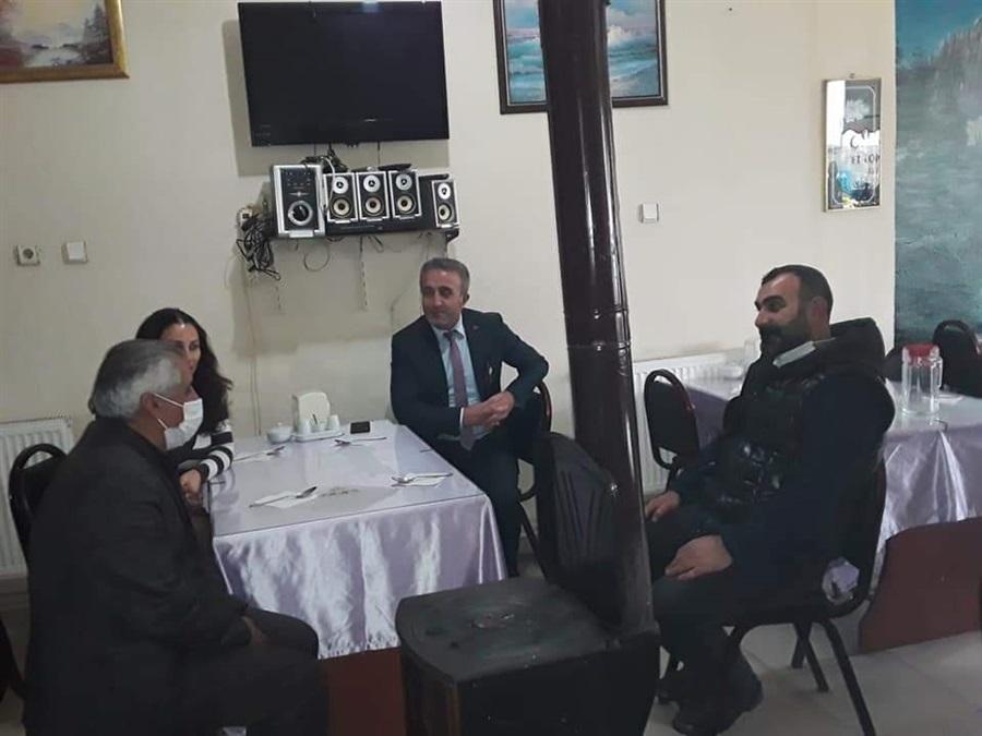 Şenkaya ilçemizde Şenkaya Esnaf ve Sanatkarlar Odası Başkanım Fahrettin HARBİ Beyle birlikte esnafımızı ziyaret ettik. Kooperatifçilik ve Kadın kooperatifleri üzerine konuştuk.